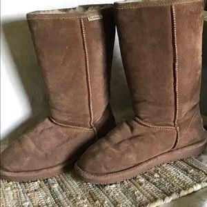 Size  7 Hickery Bear Claw  Boots Tan warm cozy